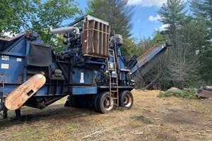 1998 Peterson 2400A  Hogs and Wood Grinders