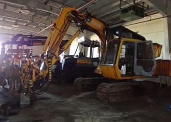 John Deere 490E Parts and Parts Machines