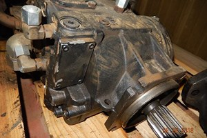 John Deere 843J  Parts and Parts Machines