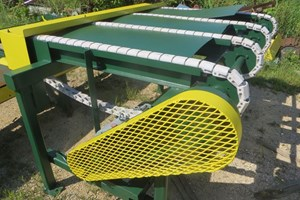 Unknown 4 Strand  Conveyors Board Dealing