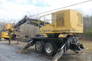2005 Tigercat 240B  Log Loader Knuckleboom