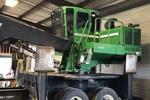 2008 John Deere 437  Log Loader Knuckleboom