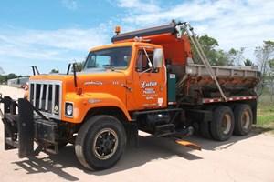 1997 International 2574  6X4  Truck-Dump