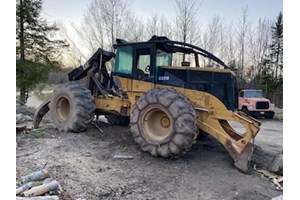 2005 Caterpillar 525B  Forwarder