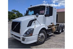 2006 Volvo Day Cab  Truck-SemiTractor
