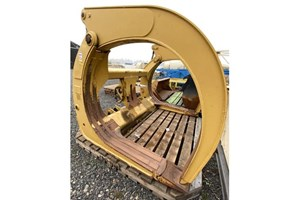 Caterpillar Log forks top clamp  Attachment