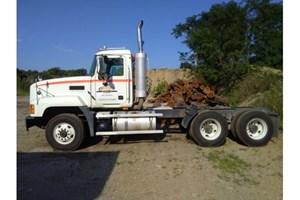 2007 Mack CL700  Truck-SemiTractor