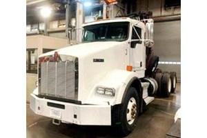 2013 Kenworth T800  Truck-SemiTractor