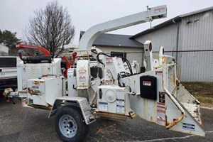 2016 Morbark Beever M12D  Wood Chipper - Mobile